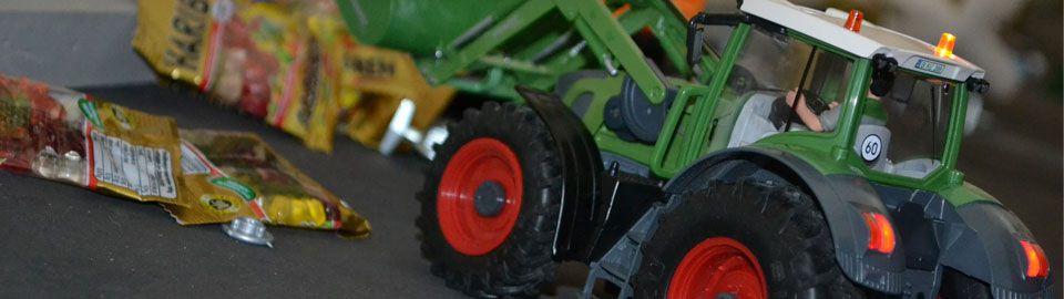 Ferngesteuerte Qualitäts-Siku-Traktoren (1:32)
